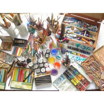 ARTIST MATERIAL